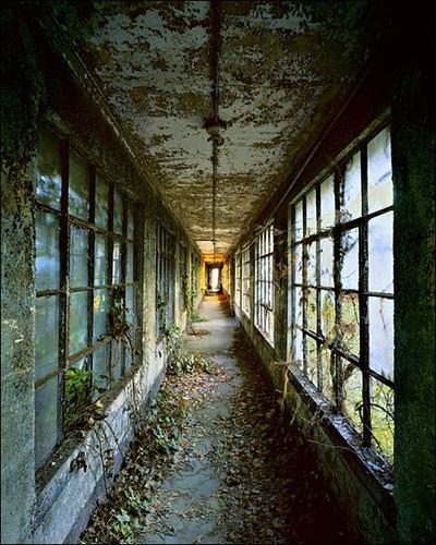 Corridor9_lg